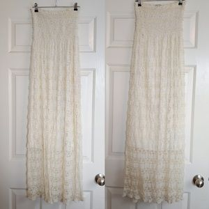 FOREVER 21 Lace Maxi Dress Innovation Size Small